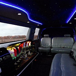 Ford Excursion Limousine 4