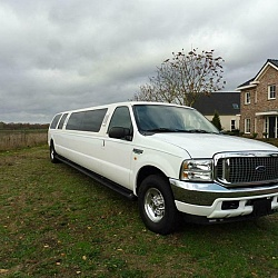 Ford Excursion Limousine 1